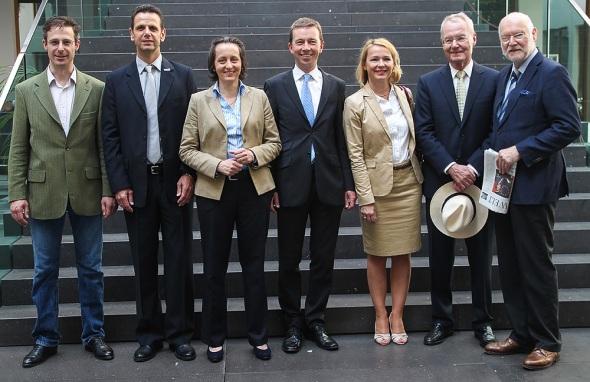 Marcus Pretzell, Bernd Kölmel, Beatrix von Storch, Bernd Lucke, Ulrike Trebesius, Hans-Olaf Henkel, Joachim Starbatty